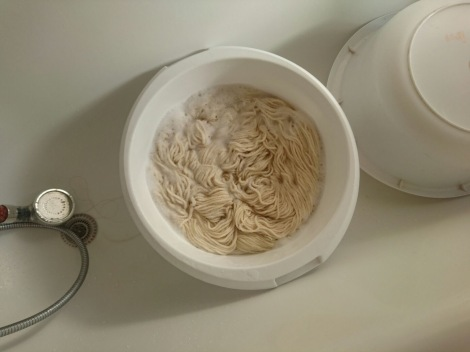 Yarn soaking for dyeing